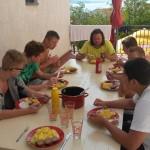 Společné stolování